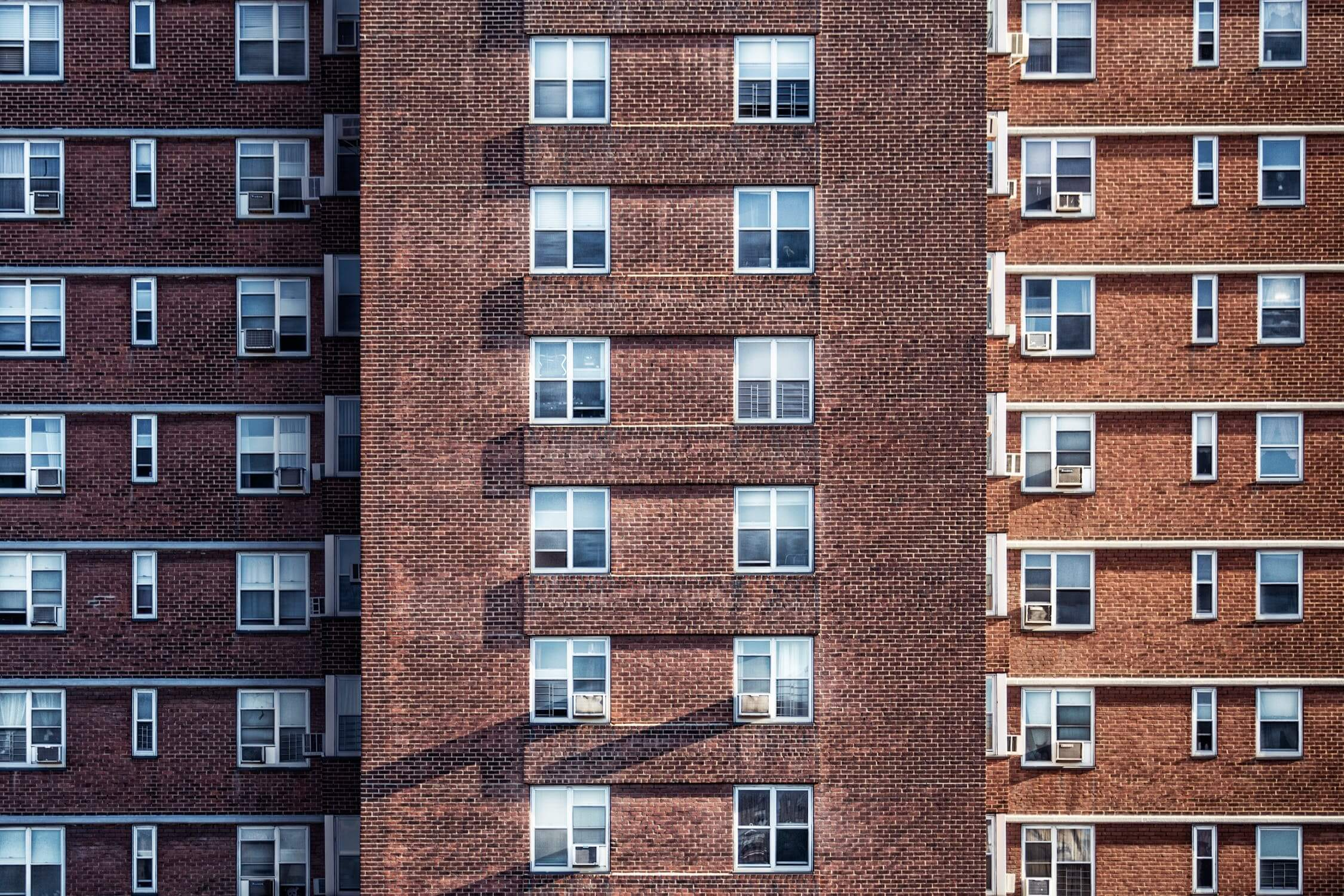 Mieszkania na różnych kondygnacjach – poznaj ich zalety