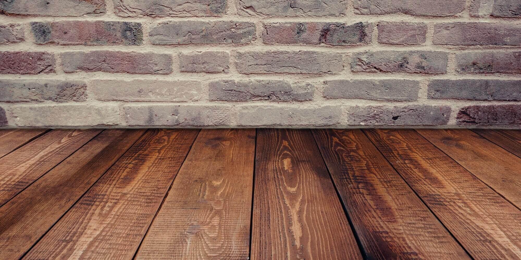 Jaka podłoga do mieszkania – drewno, panele, kafle